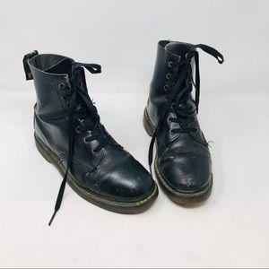 Vintage sr Martens black leather boots destroyed